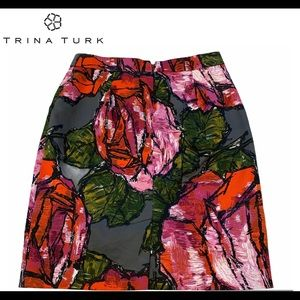 Trina Turk pink red floral pocketed skirt size 4.